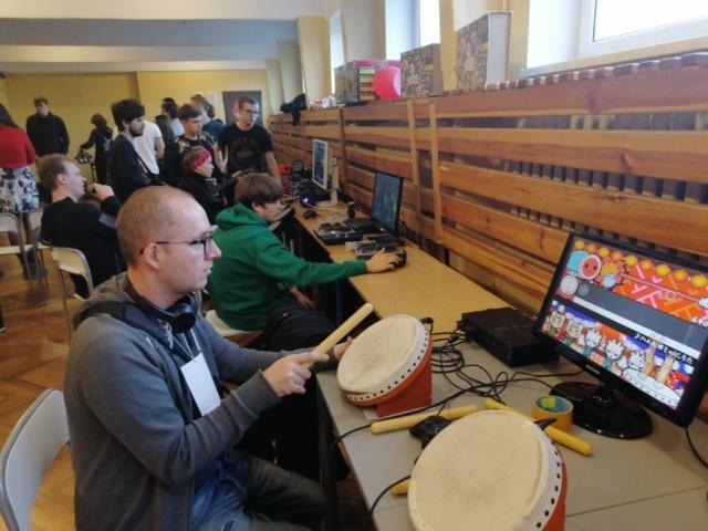 Sala gier muzycznych ikonsolowych